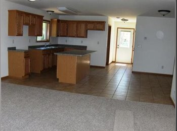 EasyRoommate US - Roommate wanted ASAP (June 1, 2015-May 2016) - Eau Claire, Eau Claire - $345 pcm