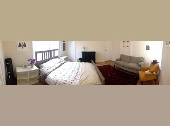 EasyRoommate US - Big Sunny Master Bedroom and Small Studio - Downtown Oakland, Oakland Area - $400 pcm