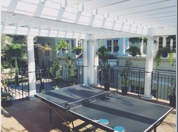 HOLLYWOOD MANSION HOUSE LOOKING FOR ROOM MATE