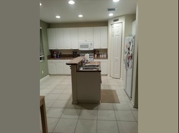 EasyRoommate US - Roommate wanted! - Delray Beach, Ft Lauderdale Area - $750 pcm