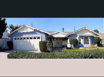 Room for rent in Huntington Beach