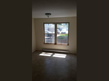 Newington, The perfect location 1 roommate needed