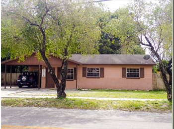 EasyRoommate US - 3 Bedroom House Near Tampa Airport - Tampa, Tampa - $400 pcm