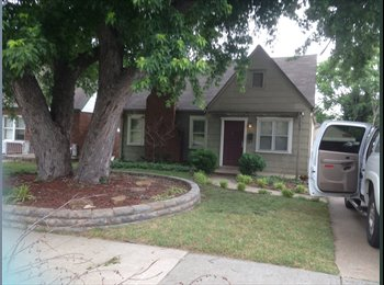 EasyRoommate US - Quaint bungalow walking distance to TU - Tulsa, Tulsa - $500 pcm