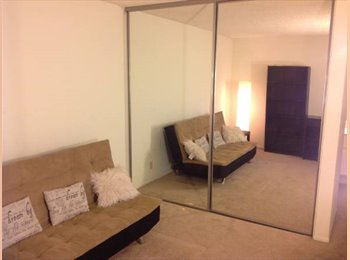 Large Furnished Bedroom! Pool Hot Tub Fitness WIFI