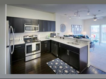 EasyRoommate US - Southend 2 bed and 2 bath apt. Keep Deposit!! - Mecklenburg County, Charlotte Area - $1,560 pcm