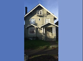 EasyRoommate US - One Large Bedroom for Summer Sublet in Safe Home 2 - University District, Seattle - $535 pcm