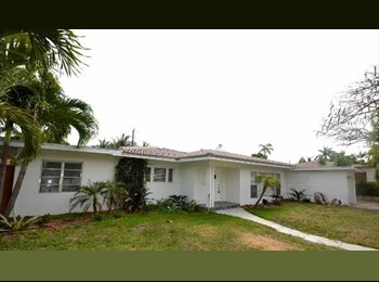 EasyRoommate US - Room Available in Hollywood - Hollywood, Ft Lauderdale Area - $650 pcm