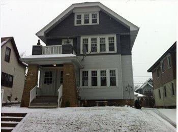 EasyRoommate US - Seeking Female Roommate - Milwaukee Suburbs West, Milwaukee Area - $400 pcm