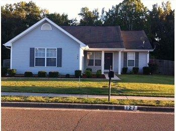 EasyRoommate US - All inclusive rent for Private room+bath - Huntsville, Huntsville - $600 pcm