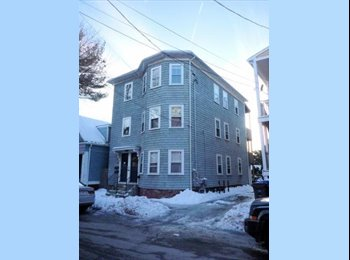 EasyRoommate US - $500 Room in East-Side Providence Triple Decker - East Providence, Greater Providence - $500 pcm
