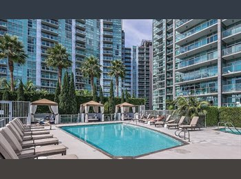 Marina view apartment with pool and private bedroo