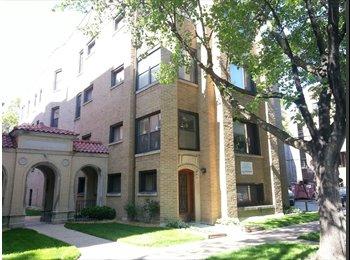 EasyRoommate US - 2Bartenders - Rogers Park, Chicago - $620 pcm