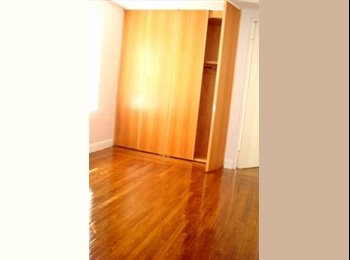 Large Room w/Built-in Closet/Female or Couple Welc
