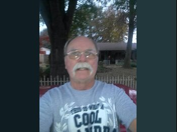 EasyRoommate US - Jerry  - 66 - Southaven
