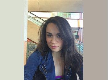 Luisa - 28 - Professional