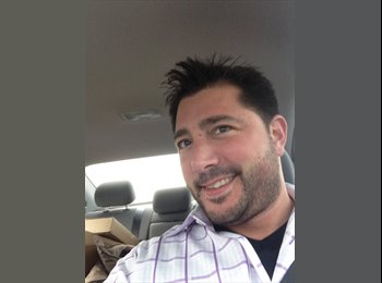 EasyRoommate US - Christopher - 38 - Chicago