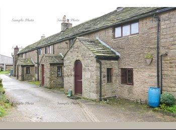 EasyRoommate UK - Farmhouse With Glorious Views - Mottram in Longdendale, Tameside - £400 pcm
