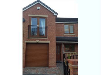 EasyRoommate UK - Spare room available AUDENSHAW £400 inc bills, new build modern house - Audenshaw, Tameside - £400 pcm