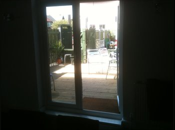 EasyRoommate UK - friendly and fun house share - Haughton Green, Tameside - £300 pcm