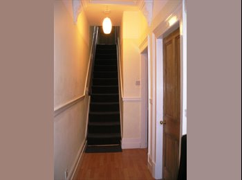 EasyRoommate UK - Double room to let all bills & broadband included - Hyde, Tameside - £260 pcm