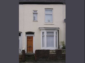 EasyRoommate UK - Room to let in shared house all bills included - Hyde, Tameside - £350 pcm