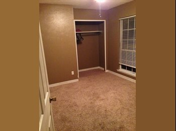 EasyRoommate US - Private Room with shared bath - Carrollton, Dallas - $550 pcm