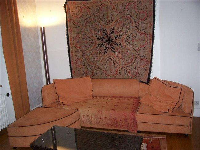 table rabattable cuisine paris location meublee annemasse. Black Bedroom Furniture Sets. Home Design Ideas