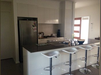 EasyRoommate AU - Central to City (9km) & Woden (5km) Opp. Lge. PARK - Weston, Canberra - $195 pw