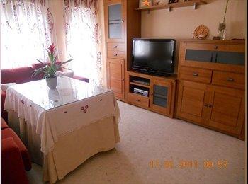 EasyPiso ES - Alquiler de habitaciones a chicas responsables - Santa Rosa - Valdeolleros, Córdoba - 220 € por mes