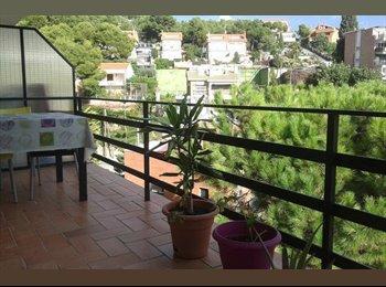 EasyPiso ES - Alquilo habitacion doble con baño - Castelldefels, Barcelona - 385 € por mes