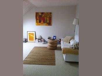 Paris 10ème agréable chambre de 20m2