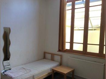 Appartager FR - Chambres étudiants à 5mn de la gare de Valenciennes - Valenciennes, Valenciennes - 340 € /Mois