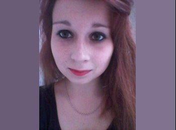 Justine - 18 - Etudiant(s)