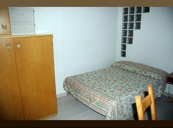 camera in affitto per donna/ragazza