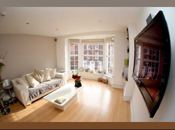 EasyRoommate UK - 1 x Beautiful Rooms Shared House - Southsea, Portsmouth - £375 pcm