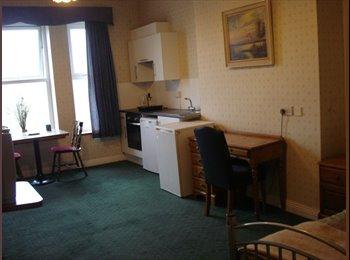 EasyRoommate UK - Self-contained double room+kitchenette & En-suite - Sandgate, Folkestone - £477 pcm