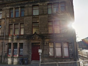 EasyRoommate UK - Flatmate Wanted, 2 min walk from Abertay - Dundee, Dundee - £300 pcm