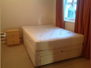EasyRoommate UK - Town centre, on harbour side,  Large room incl bills - Weymouth, Weymouth and Portland - £425 pcm