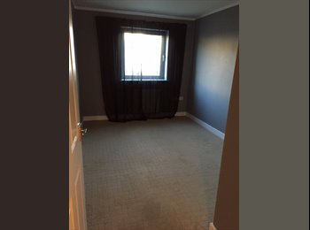 EasyRoommate UK - Double room available - Chadwell Heath, London - £500 pcm