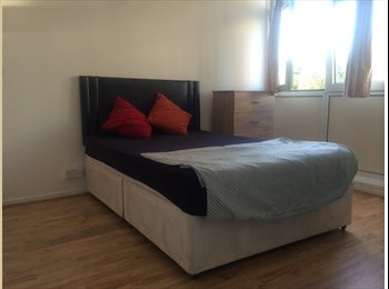 EasyRoommate UK - Two Rooms for Rent in Stepney Green  - Whitechapel, London - £750 pcm