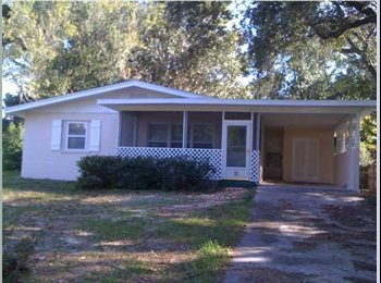 EasyRoommate US - Room for rent, in cozy home- $450 - Pensacola, Other-Florida - $500 pcm