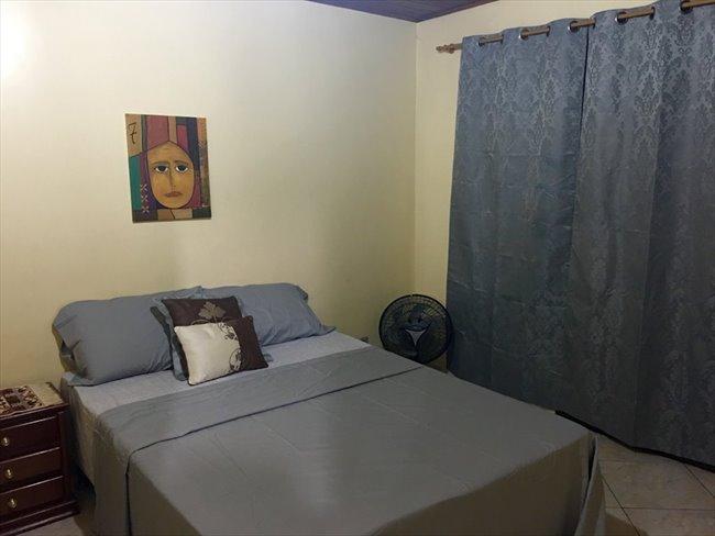 Aluguel kitnet e Quarto em Curicica  Quarto individual com cama de casal
