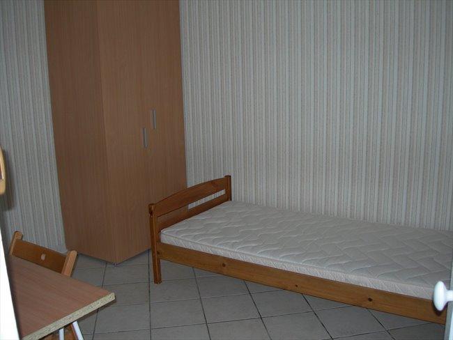 Colocation camon loue chambre meubl e libre de suite for Chambre libre