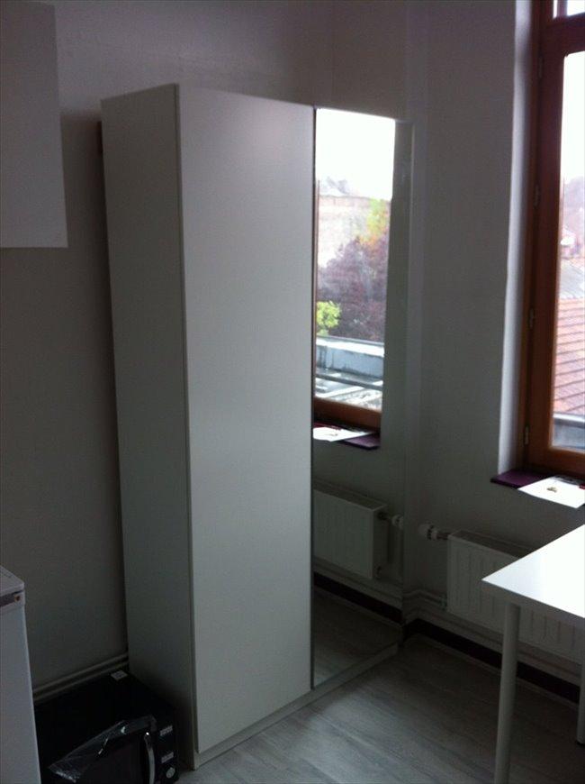 colocation mons en bar ul studio meuble wifi 12m2 appartager. Black Bedroom Furniture Sets. Home Design Ideas