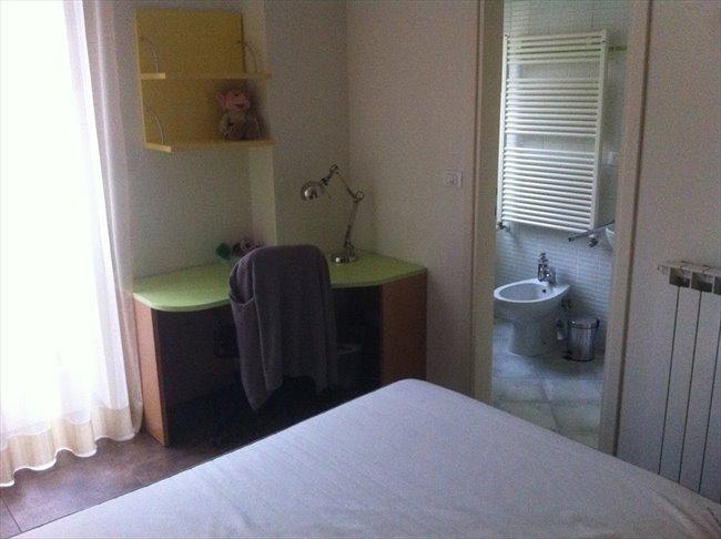 Stanze e posti letto in affitto bologna stanza via for Affitto stanza bologna