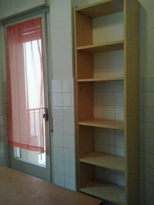Stanze e posti letto in affitto trento affitto grande - Letto centro stanza ...
