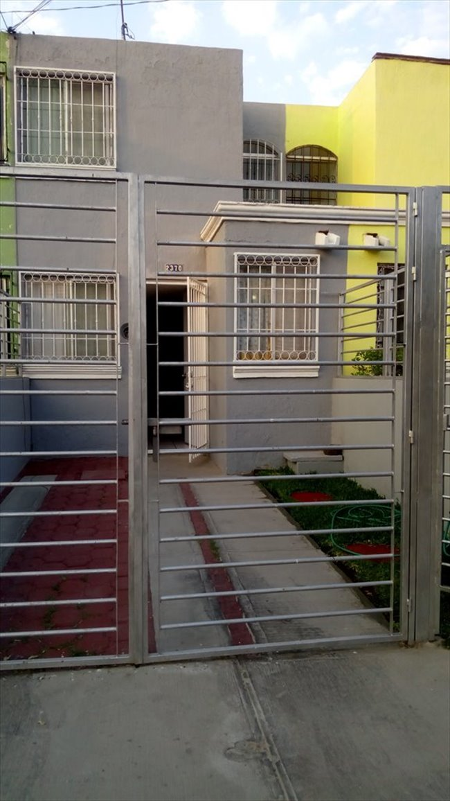 Cuarto en renta en zapopan busco roomie mujer para for Busco alquiler de pieza
