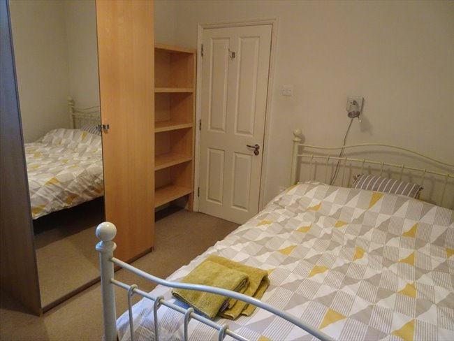 Room to rent in Rugby - Superb ensuite double  room (single occupancy) central Rugby - Image 6