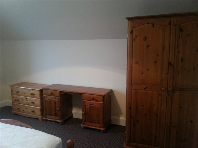 Room to rent in Dumfries -   Large double rooms to rent in town centre - Image 6